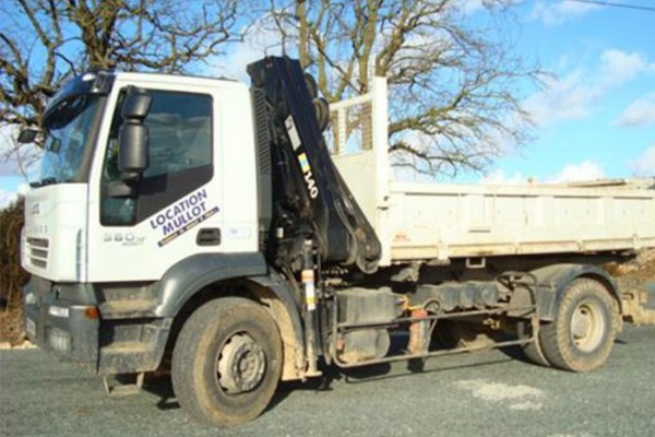 location-vehicule-poids-lourd-camion-grue-19T