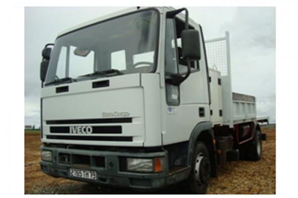 location-vehicule-poids-lourd-camion-benne-10T- niort saintes la rochelle bordeaux fontenay le comte