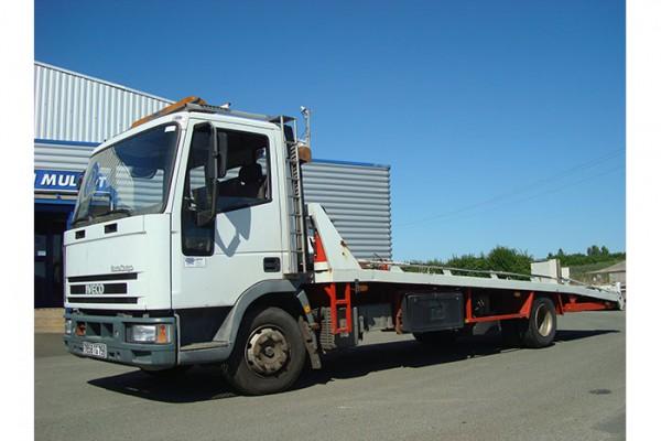 location-vehicule-poids-lourd-camion-plateau niort saintes la rochelle bordeaux fontenay le comte