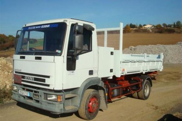 location-vehicule-poids-lourd-camion-tri-benne-12T - niort saintes la rochelle bordeaux fontenay le comte